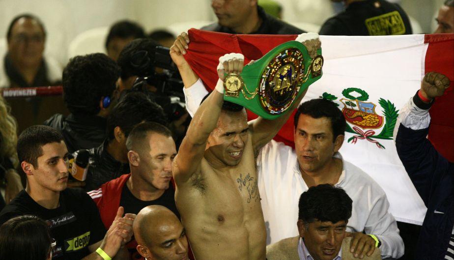 Miguel Sarria le dedicó su título mundial de Kickboxing a todos los peruanos, tras derrotar al mexicano Curiel
