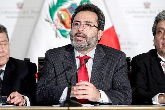 Sismo en Arequipa: Ministro Jiménez Mayor viaja a zona afectada