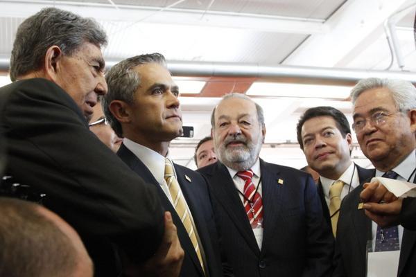 Carlos Slim, viaja en metro