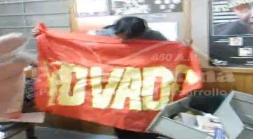 Bandera encontrada en local de universitarios