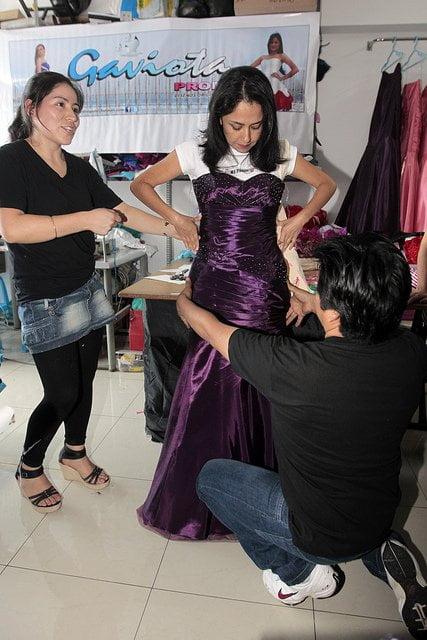 Nadine Heredia se probó un vestido en Gamarra (Presidencia)
