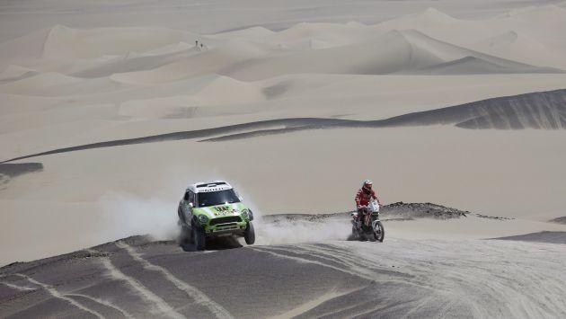 Los franceses Peterhansel (auto) y Pain (moto) continúan liderando   el Rally Dakar 2013, pero con mínimas diferencias