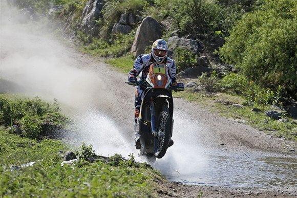 Cyril Despres terminó el día como líder en motos