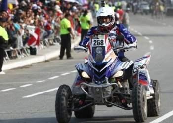 Ignacio Flores ganó la primera etapa Lima-Pisco en el Rally Dakar 2013. Es la primera vez que un corredor peruano logra adjudicarse una etapa de la famosa competencia.