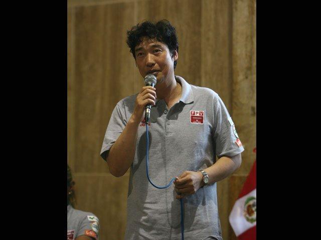 Fue presentado el nuevo técnico de la selección femenina mayor de vóley, el surcoreano Sung-Jin Hong