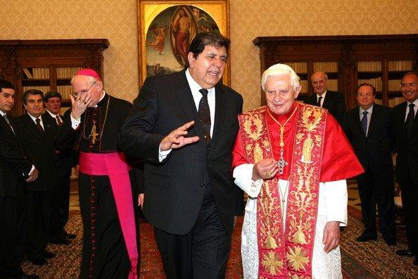 Alan García y Benedicto XVI