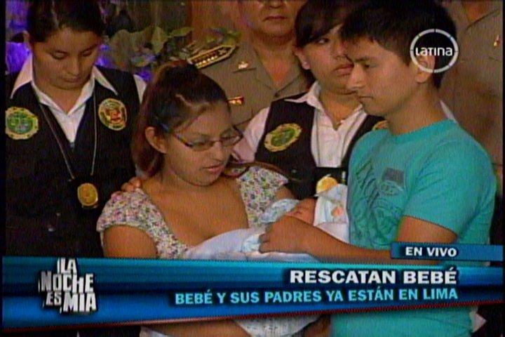 Cinthia Morales Huamán y su hijo
