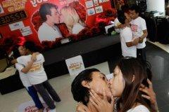 Concurso de besos en Barranco