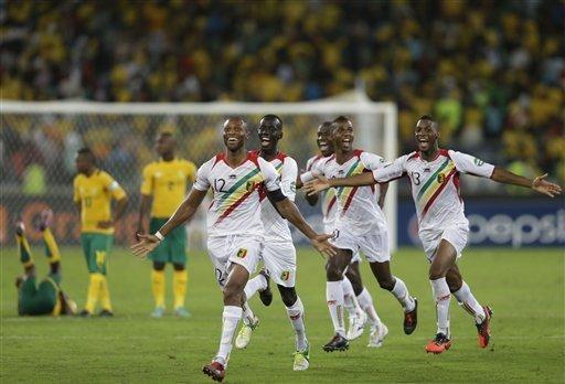 Mali celebra la clasificación tras derrotar en la Copa Africana a los dueños de casa.