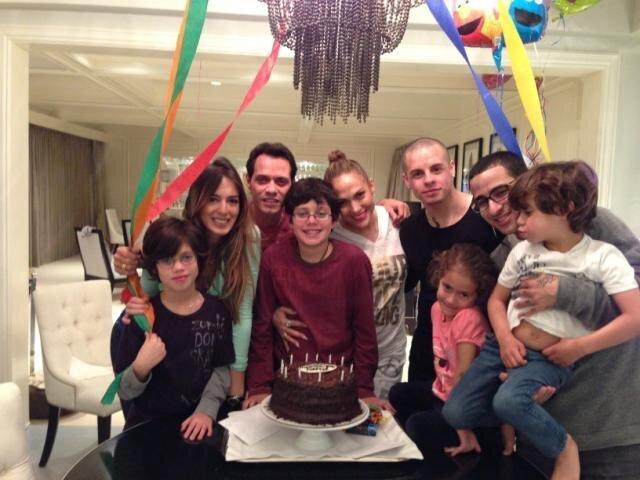 JLo sorprende con nueva foto junto a Marc Anthony y su pareja (Twitter)