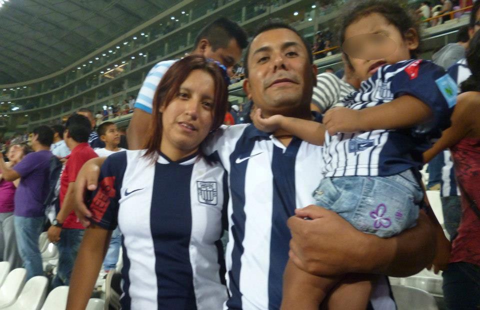 Manuel Alejandro Gamero y su pareja Carol Ana Sánchez Alvarado (Facebook)