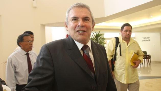 """Luis Castañeda sobre el caso Fernenbug: """"Aquí hay algo que no está claro"""""""