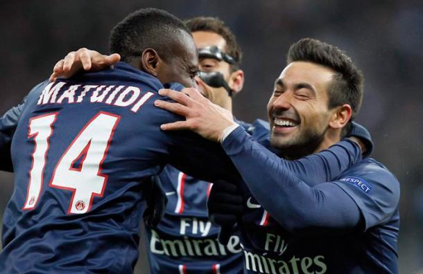 Lavezzi marcó el gol del empate y a la vez de la tranquilidad para el Paris Saint Germain, que avanzó a los cuartos de final de la Champions League.