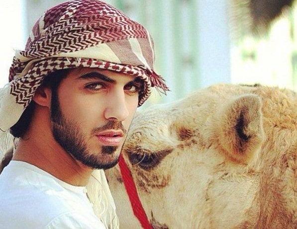"""Omar Borkan Al Gala no fue expulsado por guapo sino por """"indecente"""""""
