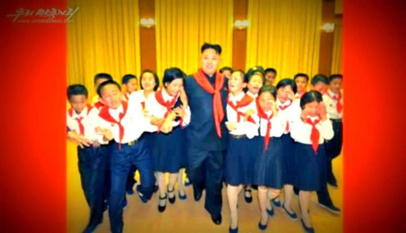 Colegialas norcoreanas lloran de histeria al ver a Kim Jong-un (Fotos)