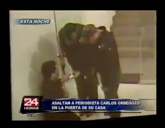 """(Video 24 Horas) Cámaras de seguridad graban asalto a productor de """"Día D"""" en la puerta de su casa"""