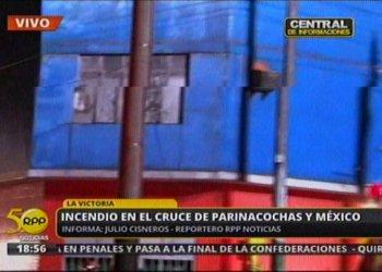 (Imagen RPP) Gran incendio consume fábrica de fibras en La Victoria