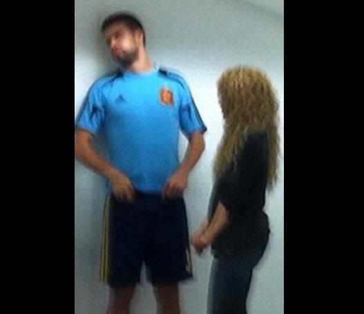 (Foto) Shakira pone en su sitio  a Piqué tras derrota de España