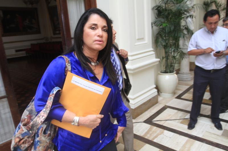 """Villarán da su bendición a Pilar Freitas: """"Si puede ser Defensora del Pueblo"""""""