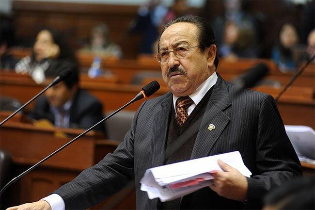 Tribunal Constitucional: Víctor Mayorga también da un paso al costado