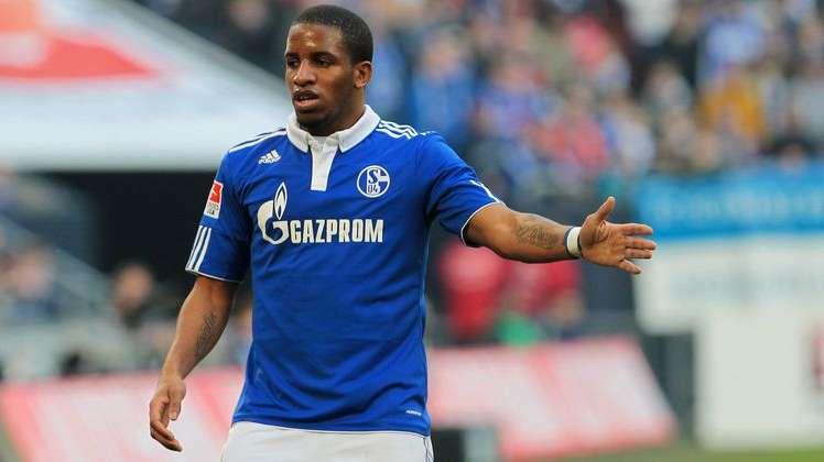 FOTO: fussballtransfers.com / Jefferson Farfán anotó penal y cedió pase gol en triunfo del Schalke