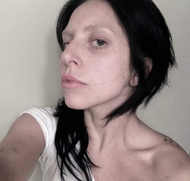 Lady Gaga asusta a fans publicando foto sin maquillaje