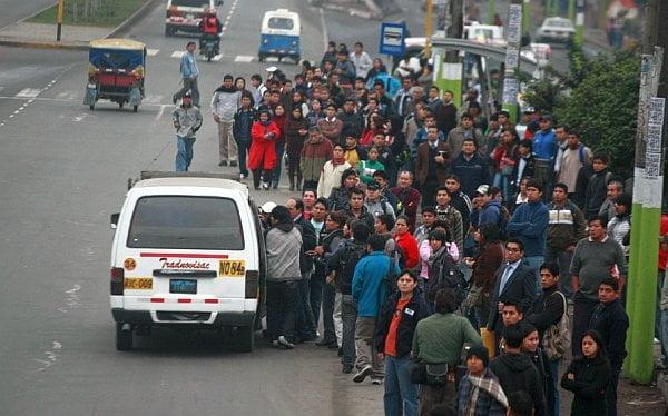 Paro de transportistas se acata parcialmente en Lima