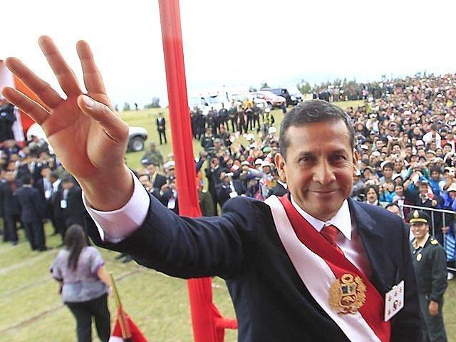 Ollanta Humala pide enfrentar agresividad de peruanos al conducir vehículos