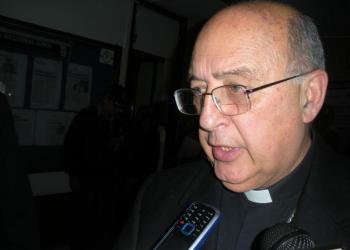 Arzobispo de Huancayo pide respeto para homosexuales y lesbianas