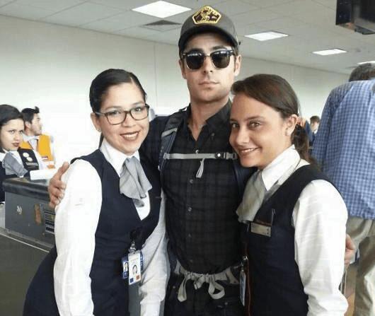 (Alejandra Samamé y @Studio92) Actor Zac Efron llegó al Cusco y se fotografió con fans