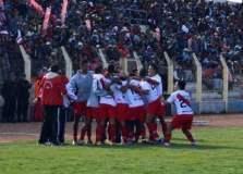 Alfonso Ugarte celebra el triunfo y la punta del torneo de la segunda división.