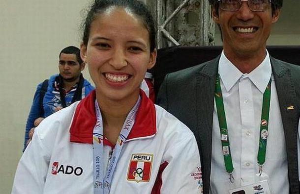 Elizabeth Alvarado se consagró en la categoría 57 kilos.