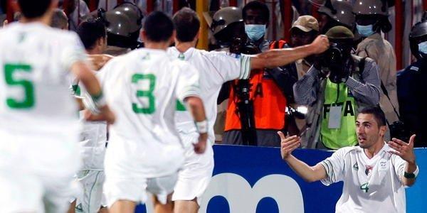 . Gracias a sus dos goles de visita Argelia clasificó al mundial.