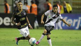 Con Yotún, Vasco debe derrotar al Santos para salir de la zona de descenso.