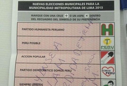 FOTOS / Electores pintarrajean cédula de sufragio y las suben a redes sociales