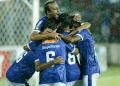 Cruzeiro se acerca al título del Brasileirao tras superar al Santos.