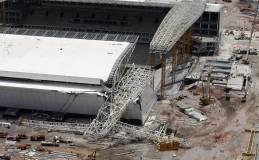 [folha.uol.com.br] Derrumbe en estadio de Brasil 2014 mata a dos obreros