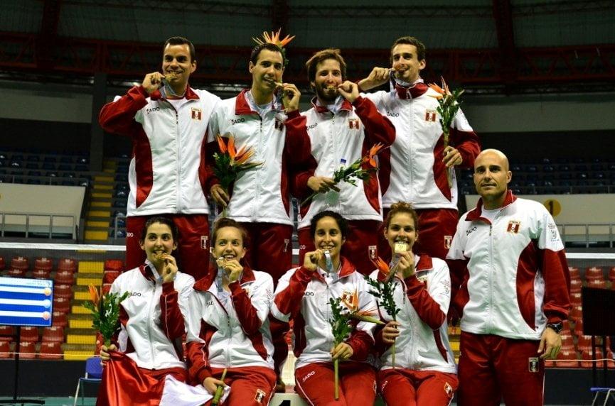 El equipo de Bádminton peruana logró subirse a lo más alto del podio en los Bolivarianos.