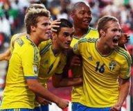 Berisha (el 9 de Suecia) condujo a su selección hacia el tercer lugar del mundial de fútbol Sub 17.