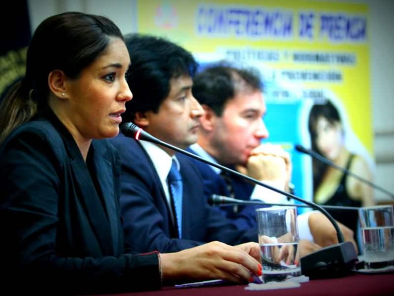 """[VIDEO] Tilsa Lozano sorprende: """"No soy política pero quiero apoyar a prevenir el SIDA"""""""