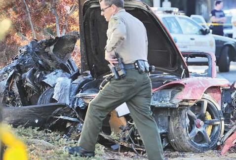 [FOTO] Rápido y furioso: Auto de Paul Walker estalló en llamas