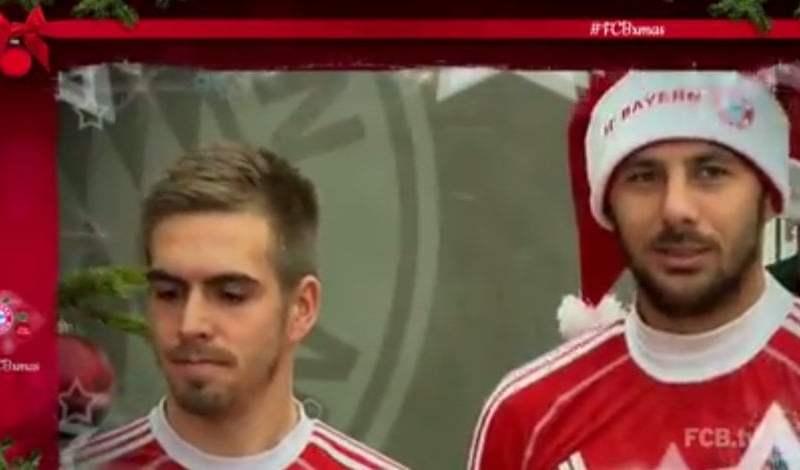 [VIDEO] Navidad: Claudio Pizarro se viste de Papa Noel con el Bayern