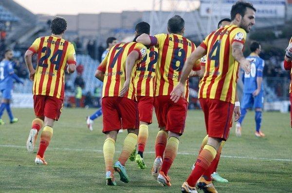 Barcelona celebró su decimoquinto triunfo y es líder por diferencia de goles en el campeonato doméstico.