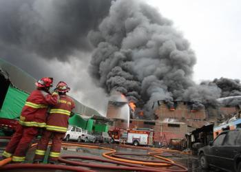 Incendio en La Victoria: Despiden a bomberos que dejaron sus trabajos por emergencia