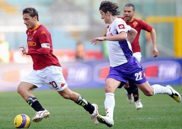 La Roma y Fiorentina disputarán el partido de la fecha en Italia.