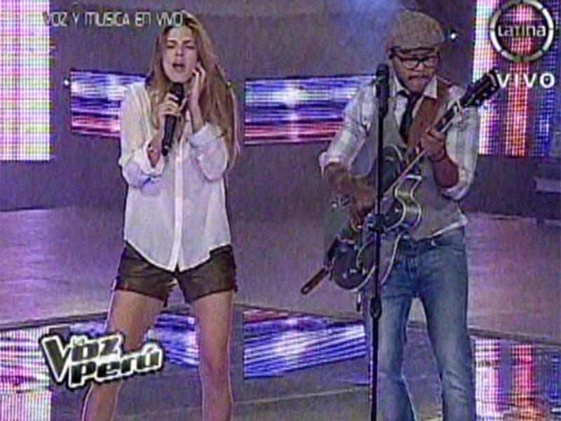[VIDEO] La Voz Perú: Kalimba y Stephanie Cayo cantan a dúo
