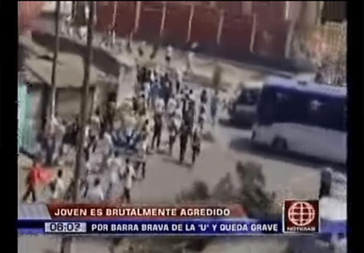 """Brutal: Adolescente grave tras ser agredido por barristas de la """"U"""""""