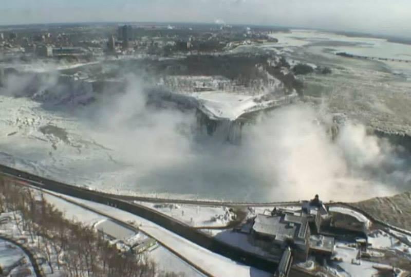 [FOTOS] Impactante: Cataratas del Niágara congeladas por vórtice polar