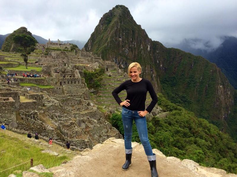 Cantante Fanny Lu visitó Machu Picchu y las playas de Lima