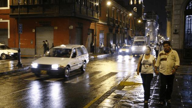 (Foto Peru 21) Intensa lluvia de verano sorprende a limeños esta madrugada